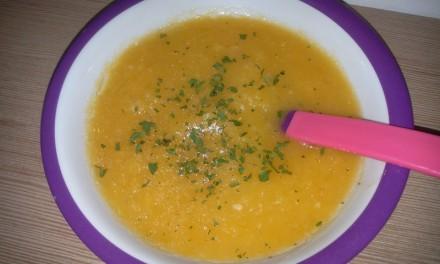 Supă cremă cu cartof dulce și dovlecel