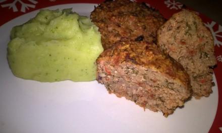 Brioșe aperitiv cu piept de pui, roșii și cous-cous