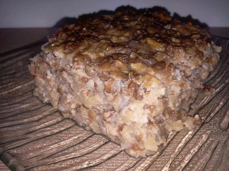 Prăjitură cu arpacaș, mere și nuci