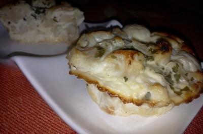 Omletă la cuptor cu conopidă și brânză