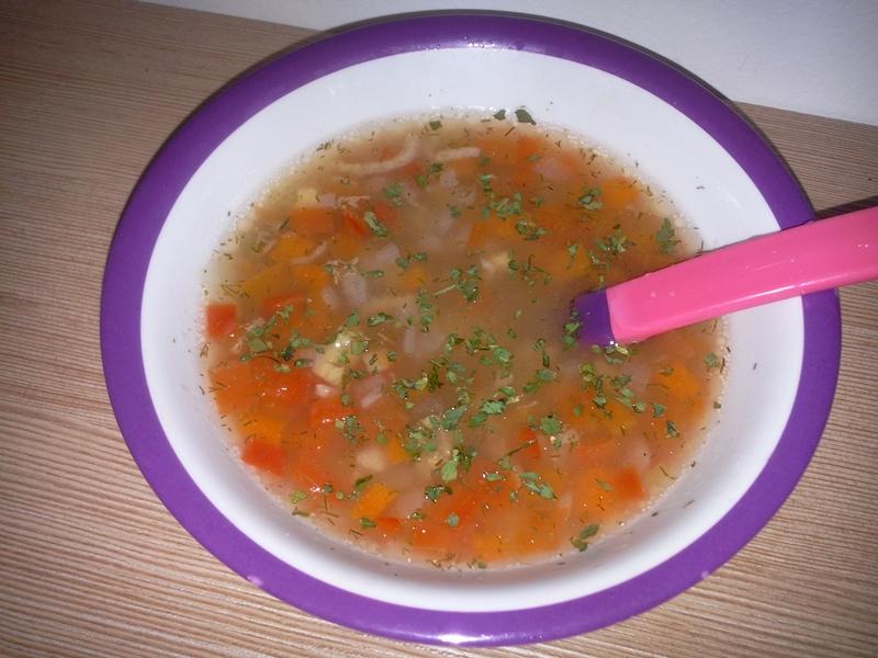 Supă de vită cu legume și tăiței de casă
