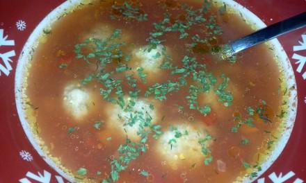 Supă cu perișoare din piept de curcan (porție mică)