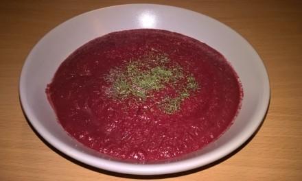 Supă cremă cu sfeclă roșie