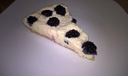 Cheesecake cu mascarpone și mure (fără coacere)