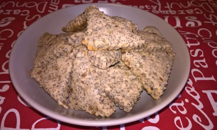 Biscuiți cu nucă și mac