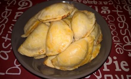 Plăcințele argentiniene (empanadas) cu dovleac și cașcaval