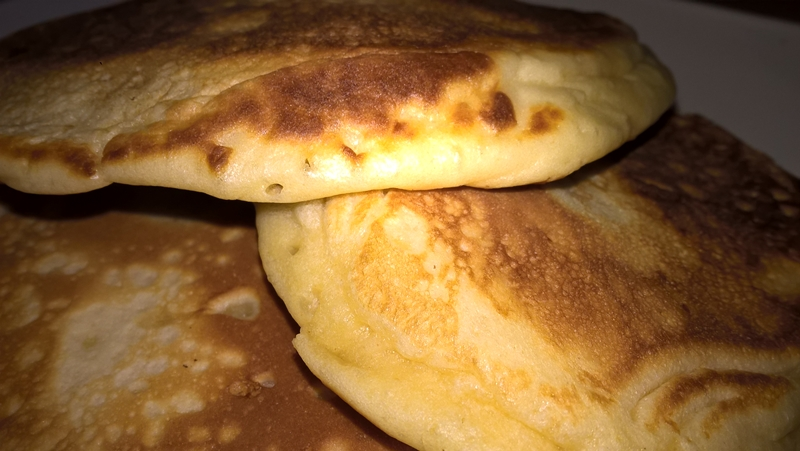 Pancakes cu mascarpone și sirop de arțar