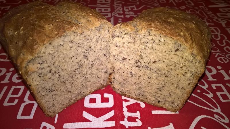 Pâine neagră cu semințe