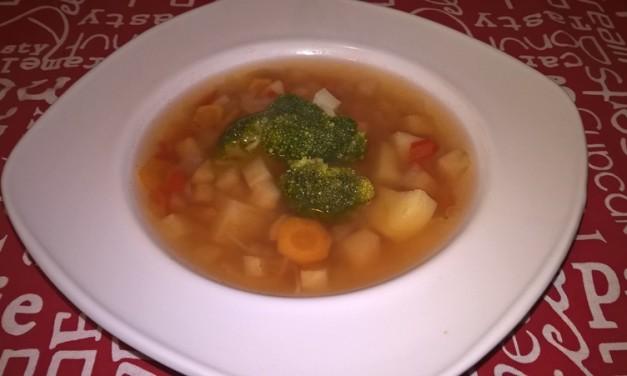 Supă cu broccoli și cartofi