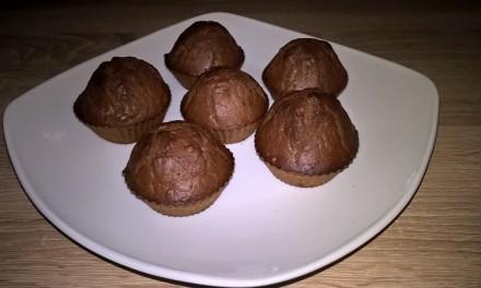 Brioșe cu ciocolată și migdale