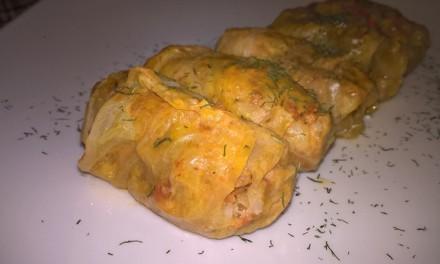 Sarmale cu carne de porc în foi de varză murată