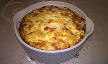 Sufleu de cartofi cu brânză de burduf