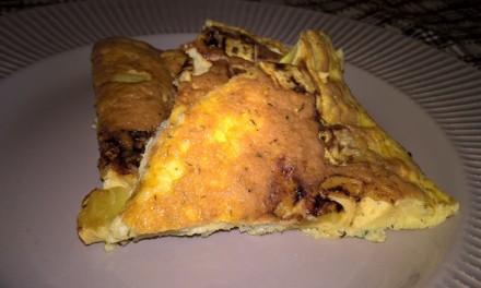 Omletă cu brânză și dovlecel la tigaie