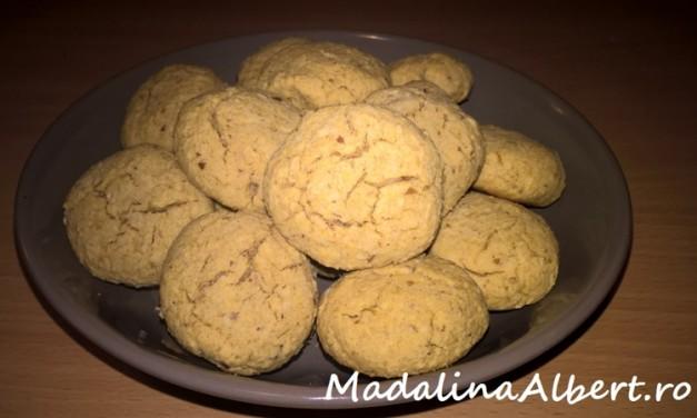 Biscuiți cu fulgi de cocos și curmale (fără gluten)