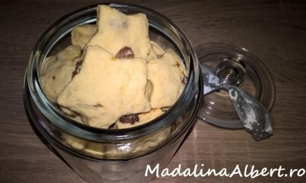 Biscuiți cu stafide și banană