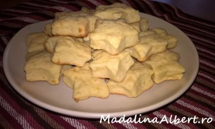 Biscuiți simpli cu brânză de burduf
