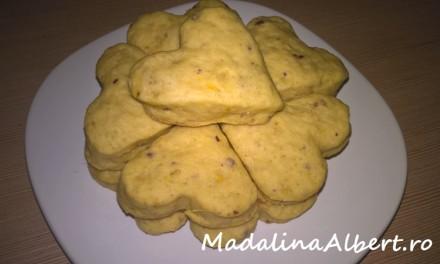 Biscuiți pufoși cu piersici