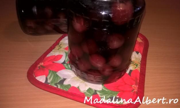 Compot de cireșe pentru iarnă