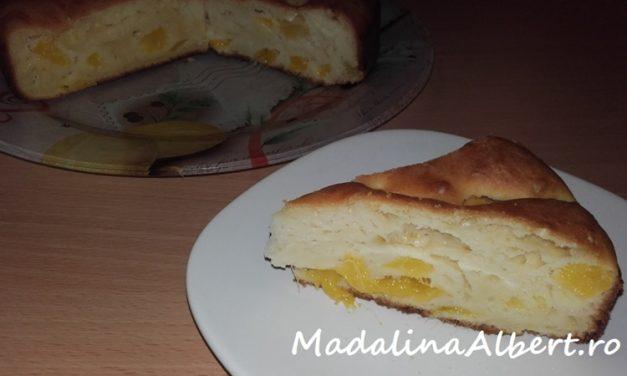 Prăjitură cu mango și lapte bătut