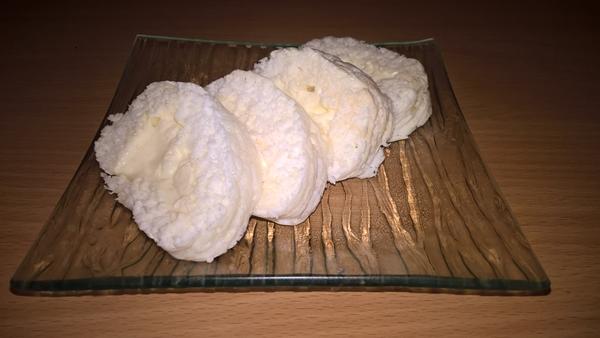 Mini-ruladă cu fulgi de cocos și mascarpone