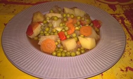 Tocană cu mazăre și cartofi