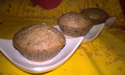 Brioșe cu lapte de cocos și nuci pecan (de post)