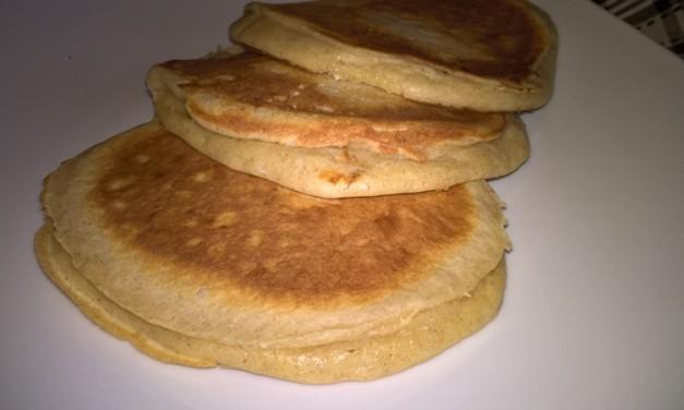Pancakes cu făină de secară și iaurt