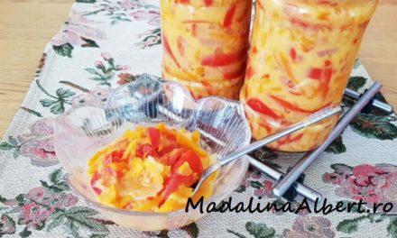 Salată pentru iarnă cu gogoșari și sos de muștar