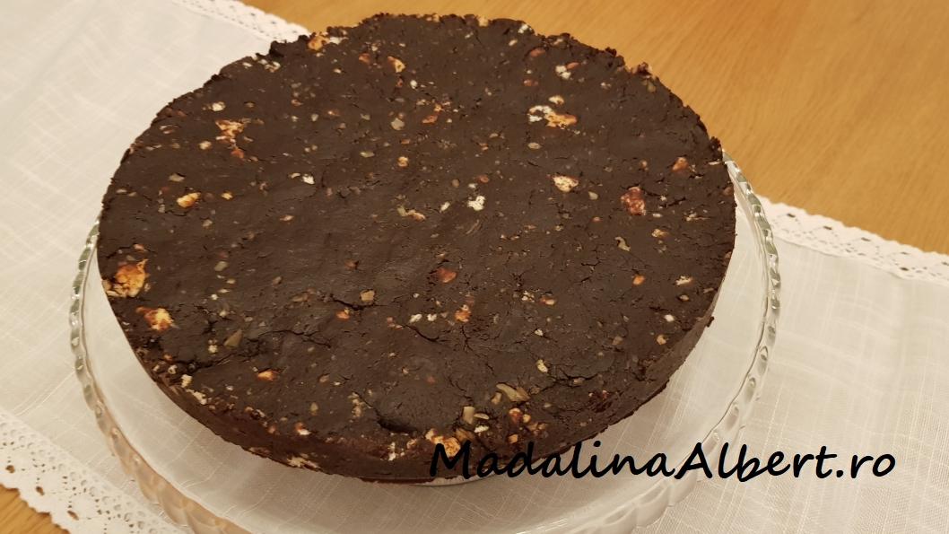 Tort de biscuiți cu nucă